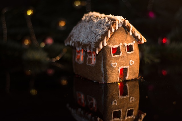 gingerbread-house-3873431_640